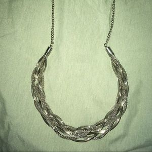 BRAND NEW SILVER CHOKER NECKLACE CUTE TRENDY
